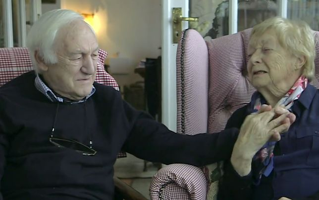 84-letni Des dzień w dzień maluje swoją żonę