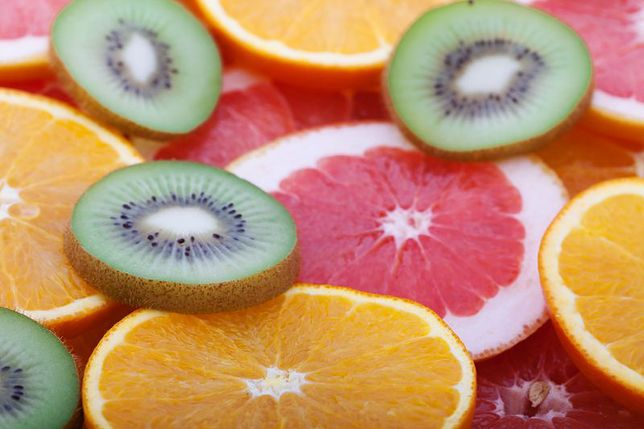 Jak zrobić gazowane owoce?