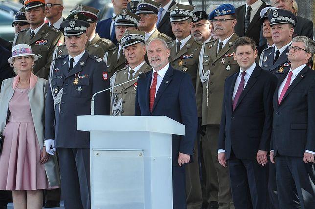 """Święto Wojska. Macierewicz: """"Nie byłoby niepodległej Polski bez żołnierzy 1920 roku"""""""