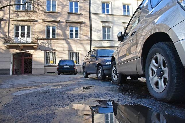 Warszawa. W Śródmieściu będą obowiązywać nowe zasady parkowania