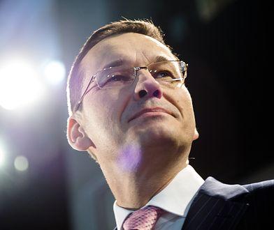 Premier Morawiecki sięgnął po statuetkę Super Wektora