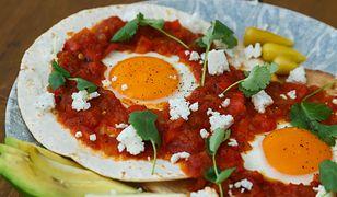 Huevos rancheros, czyli jajka po ranczersku. Solidne śniadanie