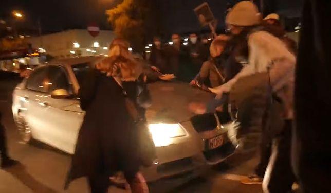Strajk kobiet. 44-letni kierowca BMW ma być oficerem ABW