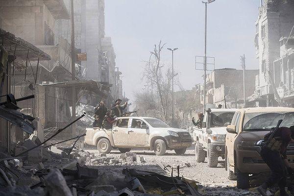 Rosjanie zbombardowali syryjskich sojuszników USA
