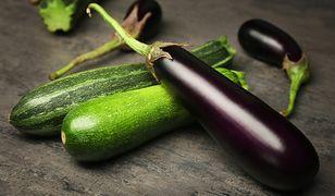 Bakłażan i cukinia to idealne składniki na niskokaloryczny obiad.