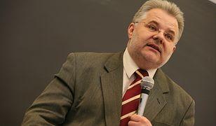 Prof. Zbigniew Izdebski to polski pedagog i seksuolog. Zajmuje się głównie dziedziną promocji zdrowia seksualnego