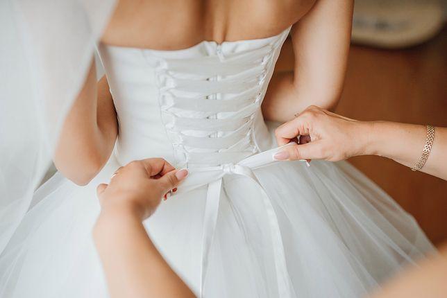 Sukienki ślubne do 500 zł
