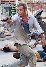 ''How I Spent My Summer Vacation'': Mel Gibson z bronią w ręku [foto]