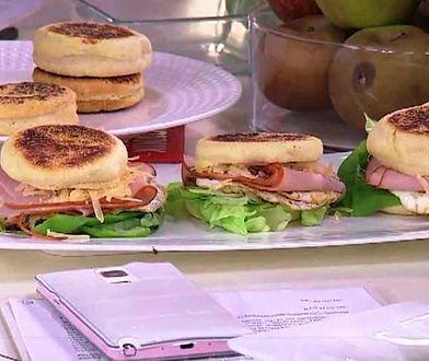 Gotowanie na ekranie: burgery śniadaniowe i bułeczki z patelni