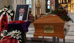 Pogrzeb Krzysztofa Krawczyka. Msza w Łodzi, a pochówek w Grotnikach