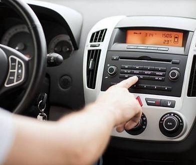 Nieważne, czy w firmowym aucie słuchamy radia, czy nie. Płacić abonament i tak trzeba.