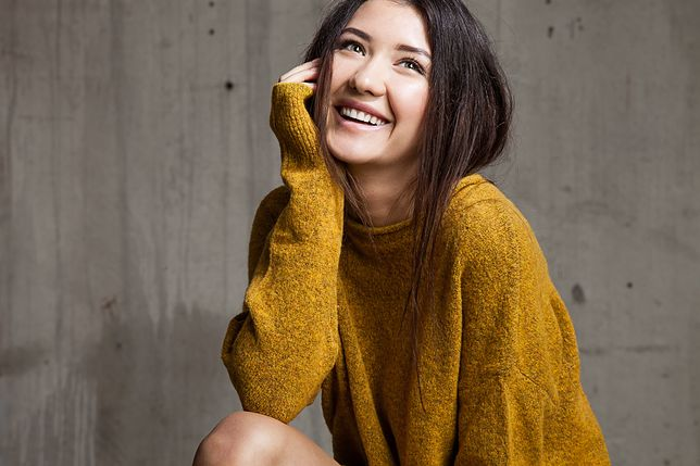 Sweter o luźnym kroju to doskonały wybór na jesień