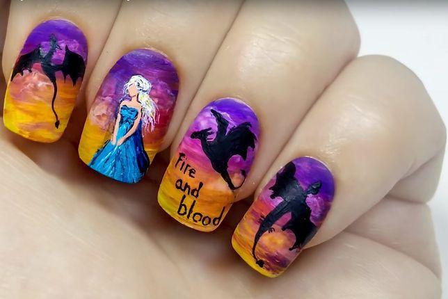 Naklejki na paznokcie przypominają małe dzieła sztuki