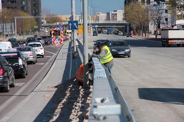 Trwają ostatnie prace przed otwarciem południowej jezdni ulicy Marynarskiej
