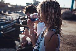 Niebieskie wino ścigane przez prawo w Hiszpanii. Twórcy trunku zapłacili już karę