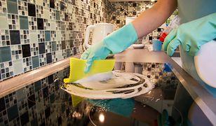 Jak wyczyścić płytę indukcyjną? Podajemy łatwe sposoby na utrzymanie kuchenki w czystości