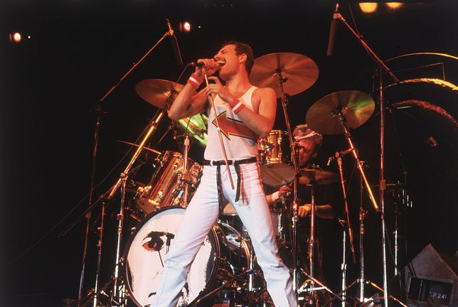 Freddie Mercury dziś skończyłby 72 lata. Przypominamy największe hity zespołu Queen!