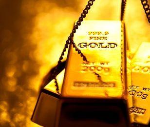 Słaby miesiąc dla rynku złota. Sytuację mogą uratować Indie
