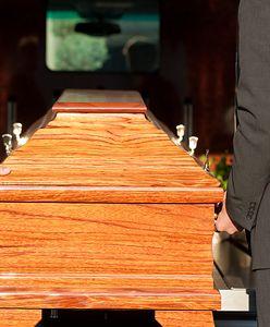 Branża pogrzebowa poza kontrolą. Takie skandale jak za krótki grób będą się zdarzały