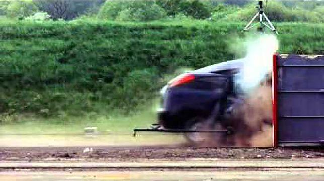 Test zderzeniowy przeprowadzony przy prędkości 200 km/h
