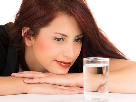 Ile wody powinno się pić każdego dnia?