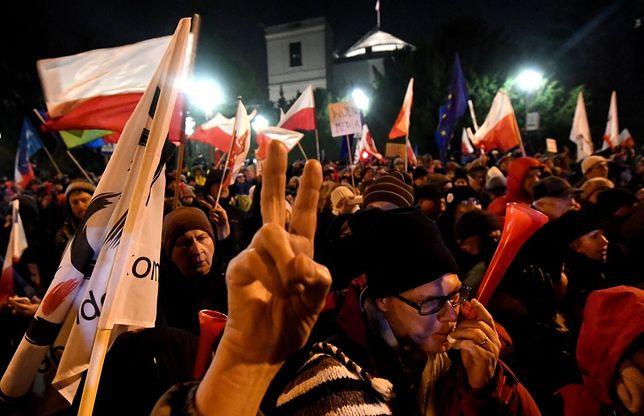 Piątkowe wydarzenia przed Sejmem pod lupą prokuratury