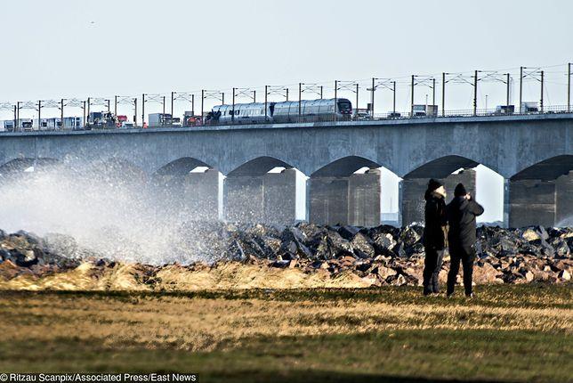 W chwili wypadku w pociągu było 131 pasażerów i 3 członków personelu.