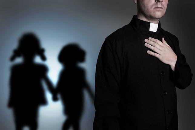 Dziennikarz zarezerwował pokój podając się za księdza, któremu towarzyszy ministrant