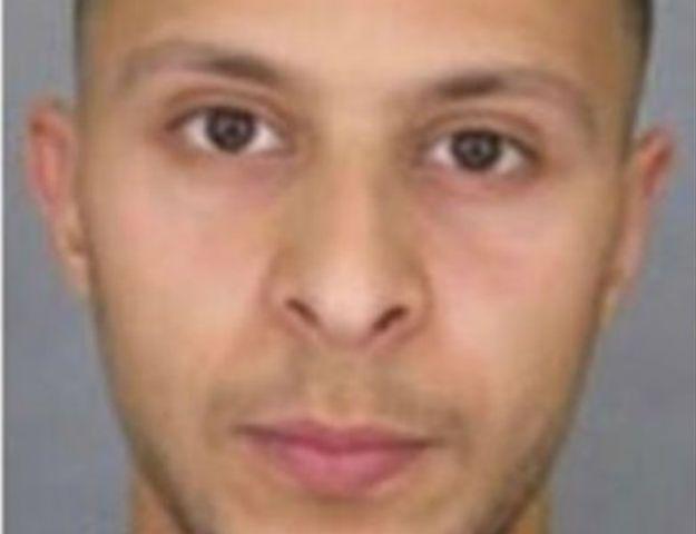 Belgijskie media: Poszukiwany zamachowiec z Paryża może mieć pas z materiałami wybuchowymi