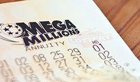 Największe wygrane w loteriach. Oto szczęśliwcy, którzy zgarnęli setki milionów