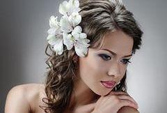Kwiaty we włosach - ślubna stylizacja!