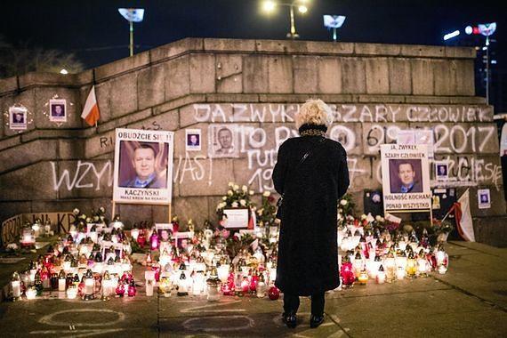 """Wybudują pomnik Piotra Szczęsnego na placu Defilad. Wiemy, jak wygląda. """"Jest już prawie gotowy"""""""