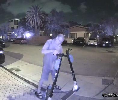 Mieszkaniec Fort Lauderdale w USA dewastuje hulajnogi elektryczne.