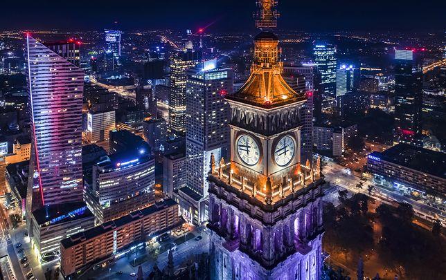 Praca w Warszawie 2021 - na jakie wynagrodzenie można liczyć?