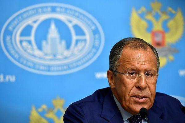 Siergiej Ławrow: Rosja przygotowuje drugi konwój z pomocą dla Ukrainy