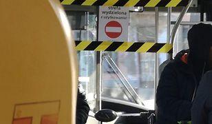 Warszawa: W autobusach komunikacji miejskiej znajdują się wydzielone strefy użytkowania.