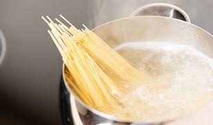 Nie komplikujmy gotowania makaronu. Wystarczy trzymać się kilku zasad.