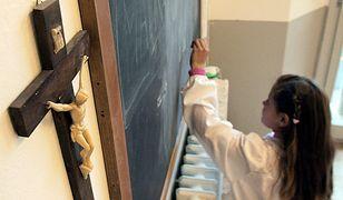 Interwencja w sprawie krzyży w szkole
