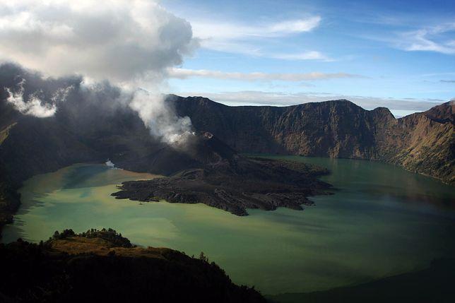Pół tysiąca wspinaczy uwięzionych na szczycie wulkanu na wyspie Lombok. Czekają na ratunek