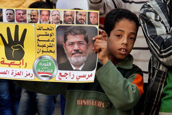 Młody zwolennik Bractwa Muzułmańskiego