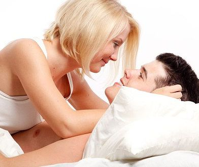 Co mężczyźni chcieliby usłyszeć w łóżku?