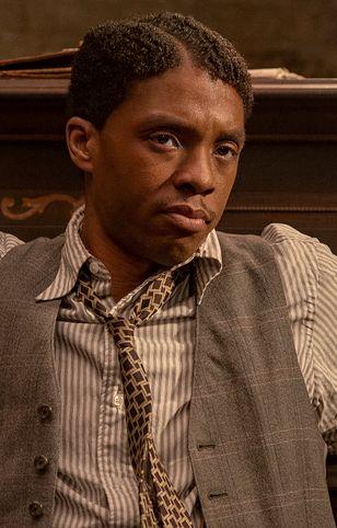 """Chadwick Boseman w filmie """"Ma Rainey's Black Bottom"""". Za tę rolę może pośmiertnie zgarnąć statuetkę"""