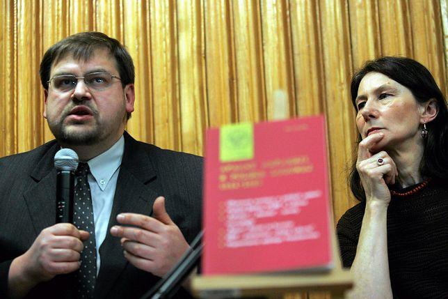 Henryk Głębocki jest pracownikiem Uniwersytetu Jagiellońskiego
