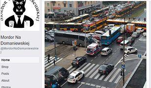 Zdjęcie zablokowanego skrzyżowania pojawiło się na popularnym profilu na Facebooku