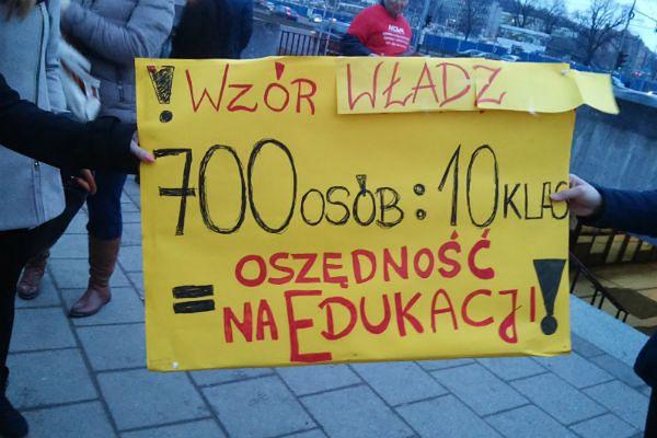 Gdańscy uczniowie głośno protestowali przeciwko likwidacji szkół