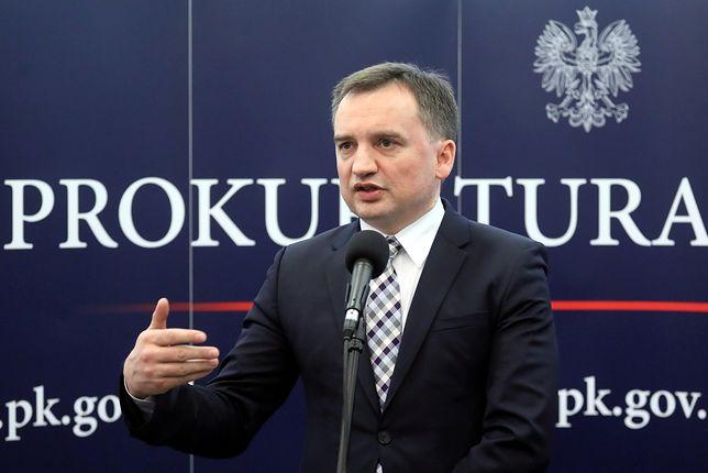 """Zbigniew Ziobro zapewnia, że prokuratura chce zbadać """"techniczne"""" aspekty katastrofy"""