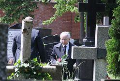 Powązki: Jarosław Kaczyński pojechał na grób matki