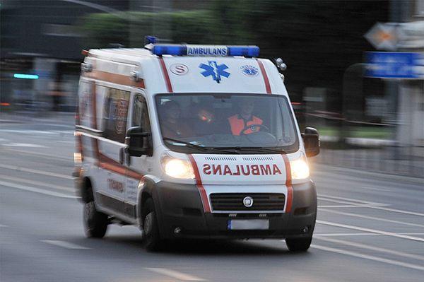 Wypadek pod Brodnicą z udziałem karetki. Zginęło dwóch ratowników