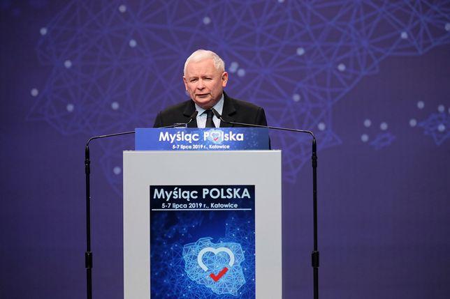 WIDEO. Wystąpienie Marka Kuchcińskiego i Jarosława Kaczyńskiego w siedzibie PiS
