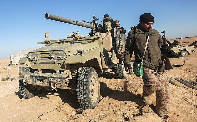 Irackie oddziały w pobliżu Mosulu.